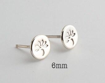 6mm Clover Studs Earrings, Minimalist Round Earrings, Jewelry Earrings, Silver Studs, Clover Studs, Small Earrings, Stud Earrings, in 6mm