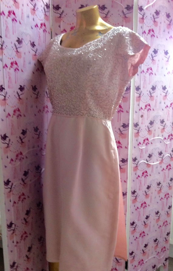 Lovely 50's or 60's pale pink beaded, vintage wed… - image 2