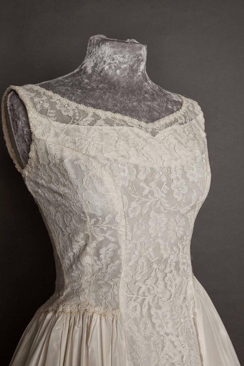 9785c6d7f9bb Emma Domb 50s vintage wedding dress size 8/10 UK. Creamy | Etsy
