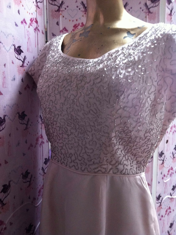 Lovely 50's or 60's pale pink beaded, vintage wed… - image 3