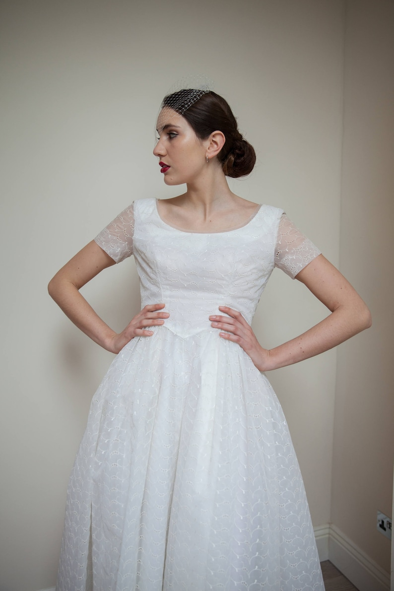 50 S Vintage Wedding Dress Lovely Dress Very Well Proportioned With Short Sleeves And Full Skirt Fits Like A Uk 8 Just Grazes The Ground