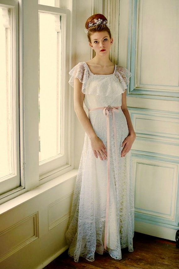 70s Vintage Wedding Dress Boho Wedding Dress In Creamy Lace Off Shoulder Approx Uk 8 To 10 Is More Cream Than It Appears On The Model