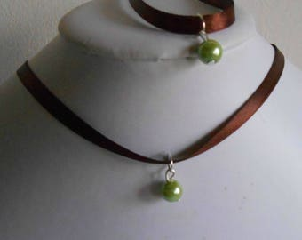 Adult/child Brown satin ribbon and green pendant wedding set