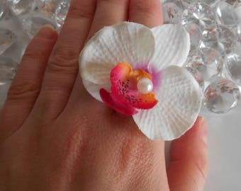 Fuchsia and white Orchid wedding ring