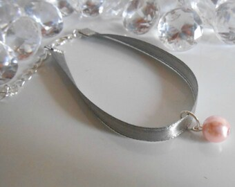 Adult/child gray satin ribbon and pink pendant wedding bracelet