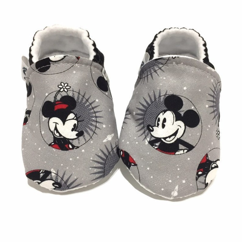 8b5dcabe08973 Mickey Mouse Baby Shoes Minnie Mouse Crib Shoes
