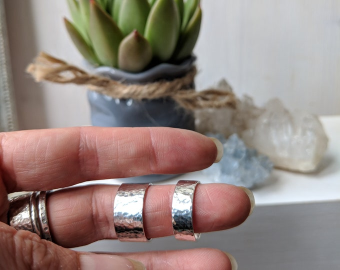 Featured listing image: Silver WIDE HAMMERED band ring