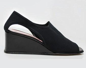 5fa747d0cbbc1 vtg 90s black neoprene minimalist cut out peep toe wedge shoes US 10