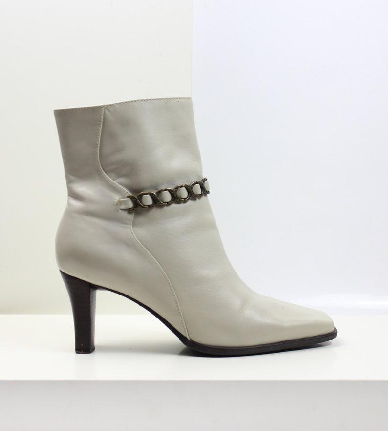 37e0630b71cbb cream minimalist chain link ankle boots US 8