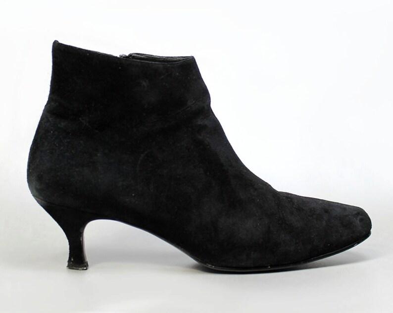 65b6d3f91d280 Vtg 90's black suede minimalist kitten heel ankle Boots Shoes US 8 1/2