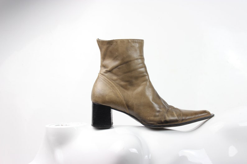742059589940a distressed taupe soft leather ankle boots | minimal | avantgarde | US 6.5