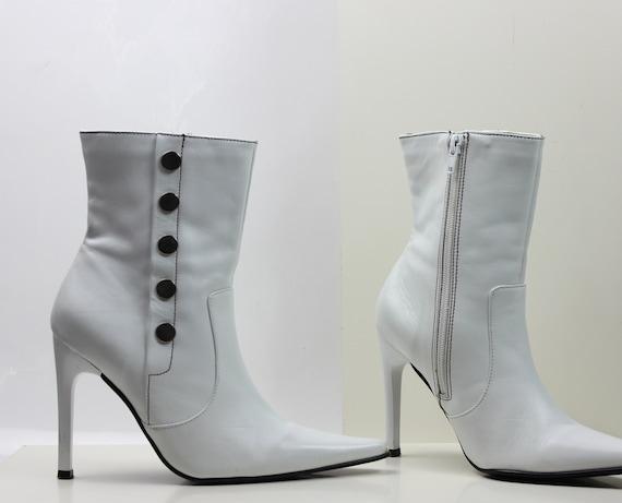 9f6c4a65d189d vtg 90s white leather minimalist ankle boots US 5 EU 35 36