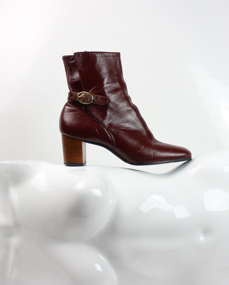 ddbe2af8b3197 maroon leather chelsea harness buckle boots / go go / mod / 60' s 70s' / US  7.5