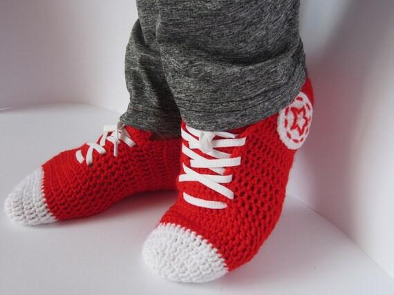Gestrickte Converse Sneakers, gestrickte Converse, stricken Converse, Hausschuhe Geschenk, Converse, schwarz und weiß Sneakers, Geschenk, Socken