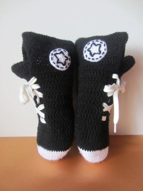 Socken Schuhe, gestrickte Converse Sneakers, gestrickte Converse, stricken Converse, Hausschuhe Geschenk, Converse, schwarz und weiß Sneakers,