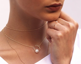 Pearl necklace, Pearl jewelry, Dainty pearl gold necklace, gold necklace with pearl, Fresh pearls