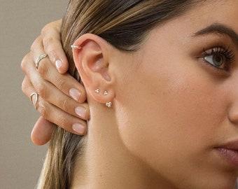 Ear Jacket -minimal earrings - Ball-shaped ear jacket earrings - Minimal earrings - Minimal ear jacket - Minimal jewelry - Dainty earrings
