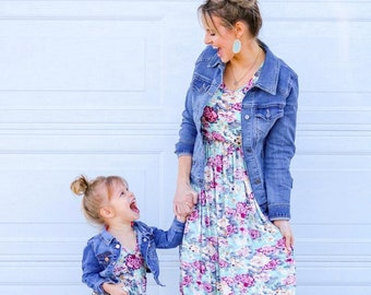 2657b32e5 Matching mother daughter outfits