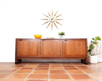 Mid Century Console Or Buffet By Dyrlund. Danish Teak Credenza. Dining Room  Furniture. TV Room Cabinet. 1960s 1950s. Vintage Modern Media.