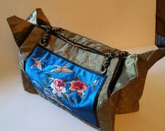 Reduced. Chinese themed bag, silk embroidered