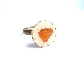 Ring - Amber on the sandy beach - maritim