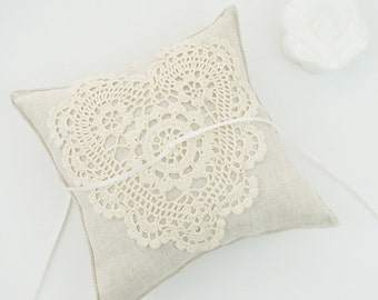 Wedding Ring Pillow / Ring Bearer Pillow / Ring Pillow with Cotton Lace / Rustic Ring Pillow / Linen Ring Bearer Pillow