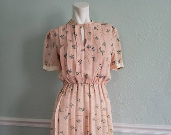 Vintage pink, floral print, pleated dress