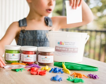 Bug Dig Play Dough Kit - Bug Fossil Dig - Mud and Bugs Kit - Scented Playdough - Play Dough Gift Set - Montessori Toy - Squishy Dough