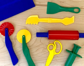 Playdough Tool Kit with Extruder and Scissors in a Drawstring Pouch - Small Play Dough Tool Set - Playdough Tools
