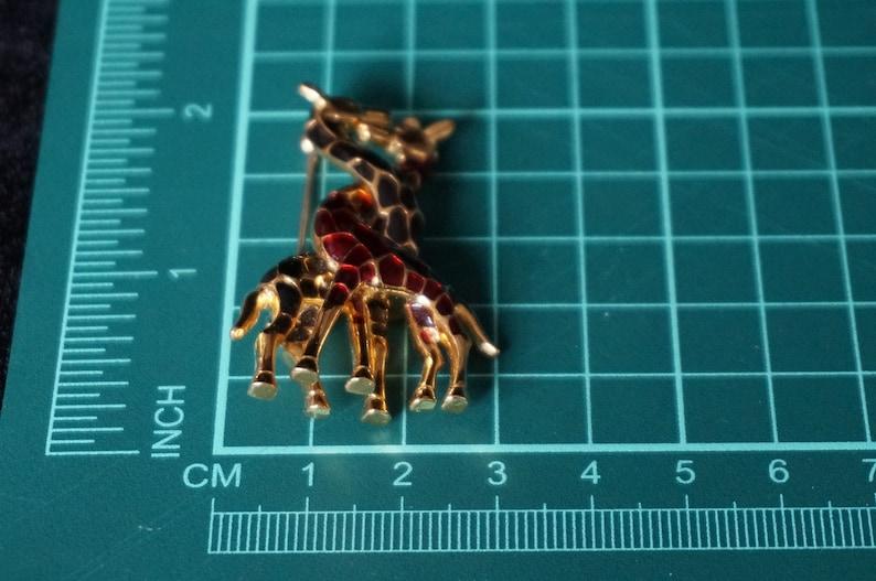 Vintage Giraffes brooch BroochPin Red and Black Enamel Giraffes twisted ne\u0441k Unsigned Goldtone