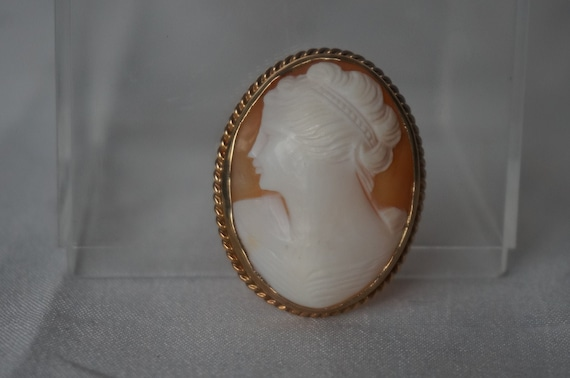 Antique Victorian Large Gold Gilt Italian Finely Carved Bacchante Shell Cameo Brooch Pin