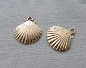 1-1399 8 Sea Shell Charms Antique Silver Tone Beach Nautical