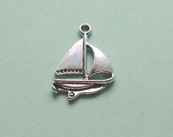 9 Sailboat Charms Silver - CS3099
