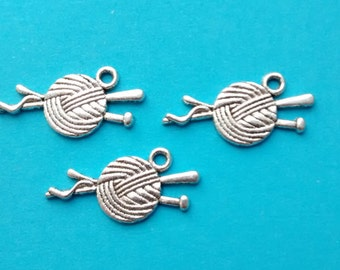 10 Yarn and Knitting Needles Charms Silver - Knitting Needles and Yarn Charm- CS2024
