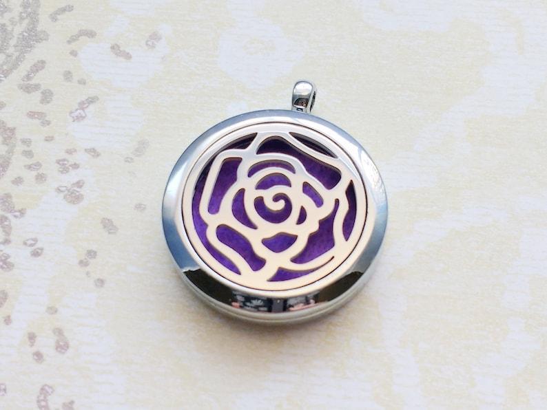 SSODL3189 1 Essential Oil Diffuser Locket Stainless Steel Rose Flower Aromatherapy Diffuser Locket