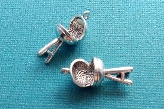 4 BBQ Grill Charms Silver Barbeque Grill Charm - CS2896