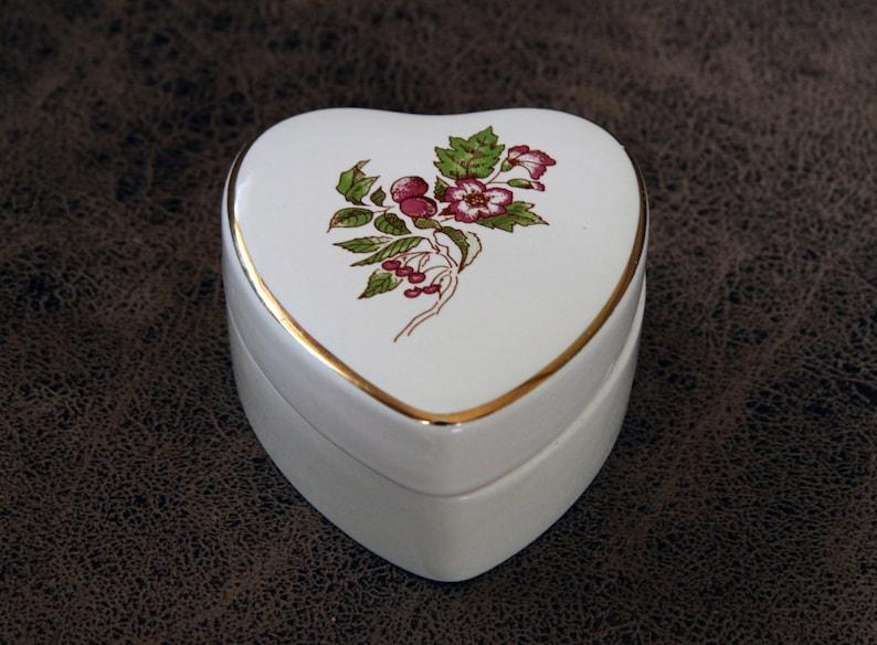 Heart Shaped WADE Trinket box Royal Victoria Pottery