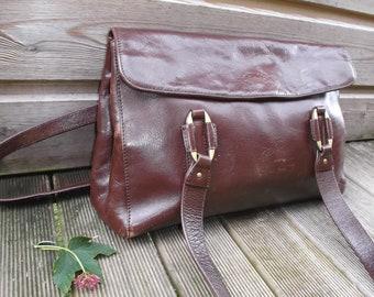 bb76d59ca072 sac à main en cuir vintage marron chocolat Francinel Paris - sac cuir épais  marron années 1980 France - sac porté épaule cuir vintage