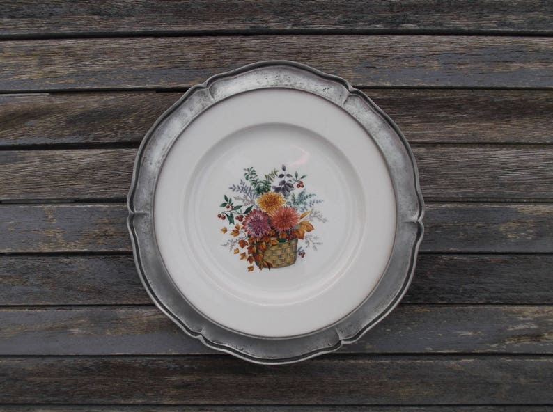 Assiette Decorative Murale En Etain Et Porcelaine Decoration Etsy