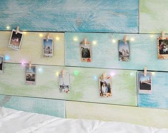 LED guirlande lumineuse avec 10 clips en bois pour afficher vos photos instantanées, Instax photos, cartes postales.