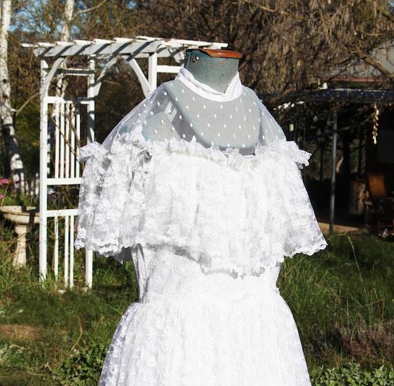 Vintage Lace Bridal Gown