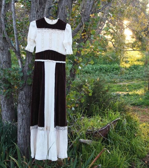 Vintage 1970s Folk Dress