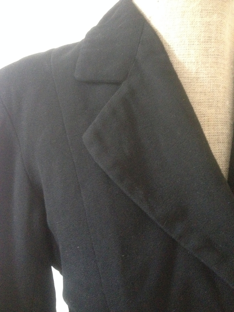 Vintage 1940s 1930s black jacket with self cover buttons  30s  40s  Fitted  VOLUP