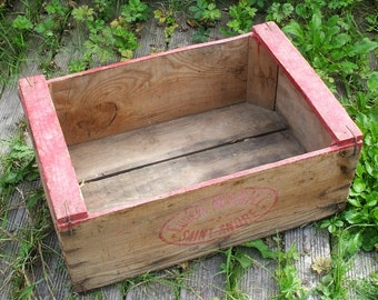 """""""Eugène Marill"""" old wooden crate"""