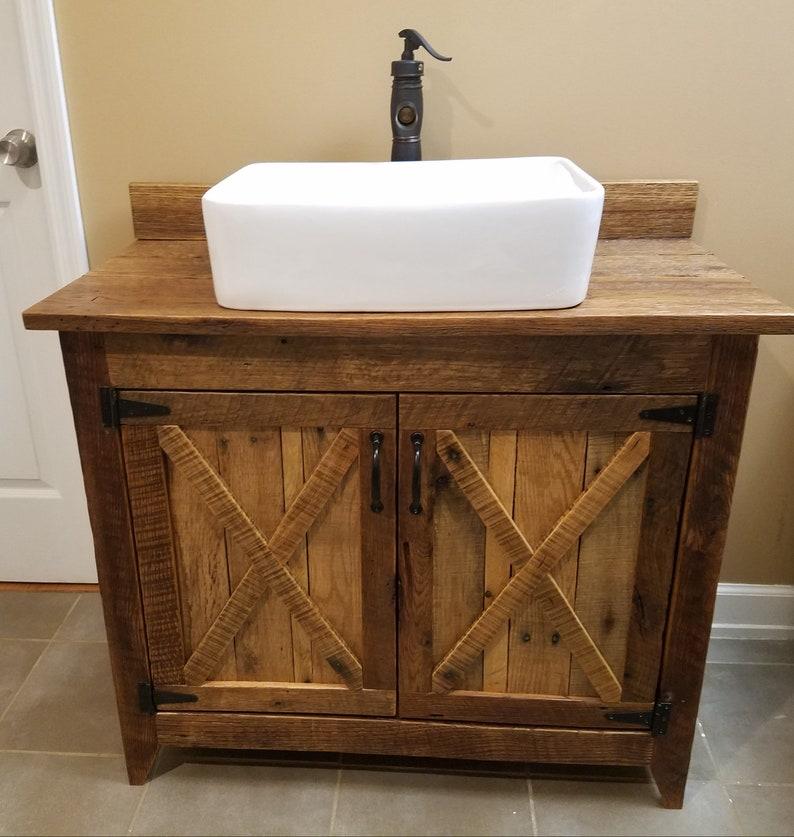 Meuble bois grange rustique de ferme de Style vasque et robinet cascade
