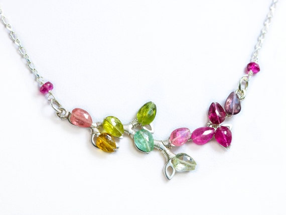 f0e55015f553 Regenbogen Turmalin Halskette Wassermelone Turmalin Bar   Etsy