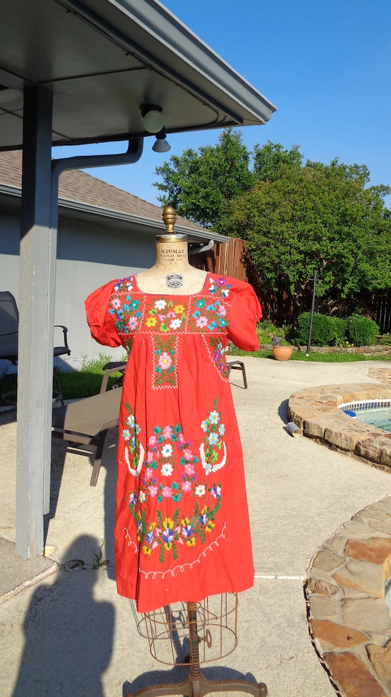 Vintage 70s Mexican Oaxaca Embroidered Dress /Stu… - image 2