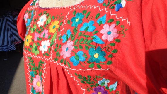 Vintage 70s Mexican Oaxaca Embroidered Dress /Stu… - image 4