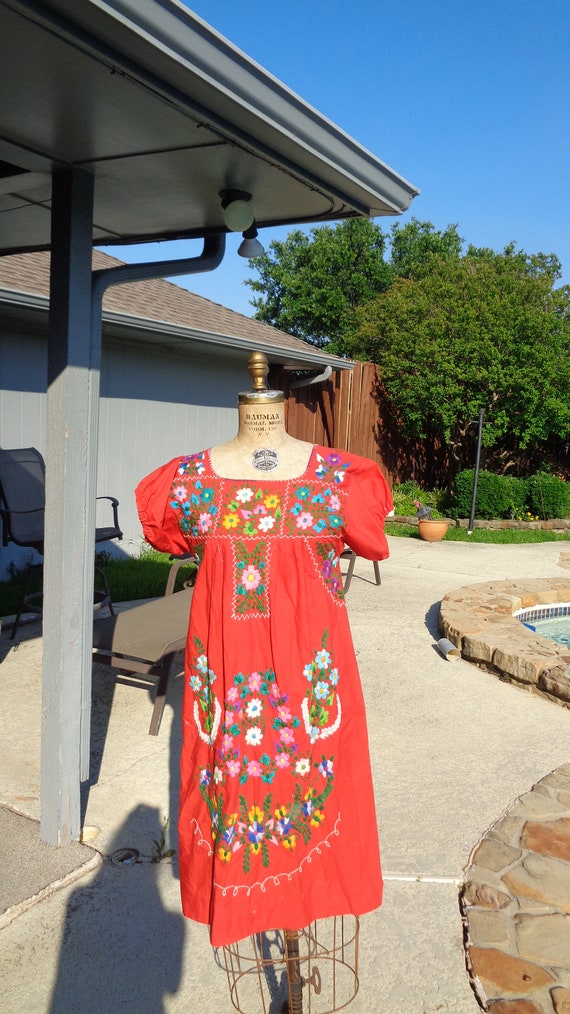 Vintage 70s Mexican Oaxaca Embroidered Dress /Stu… - image 1