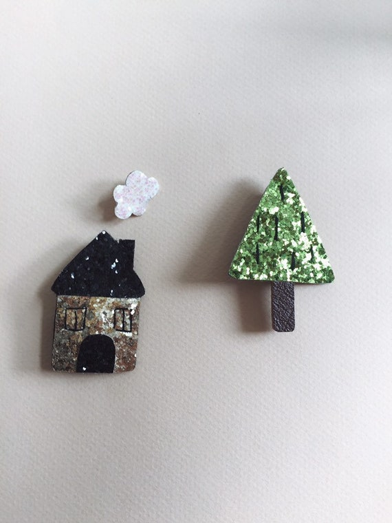Amanda the little house - handmade brooch